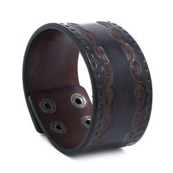 Коричневый широкий браслет для мужчины с узором - фото 11904