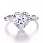 """Женское кольцо """"Сверкающее сердечко"""""""
